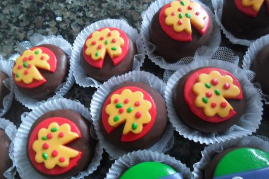 Cupcake com decoração da famosa pizza das Tartarugas Ninja