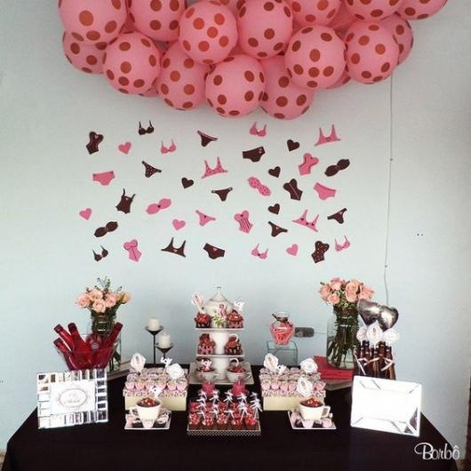 Chá de Lingerie decoração com balões rosas
