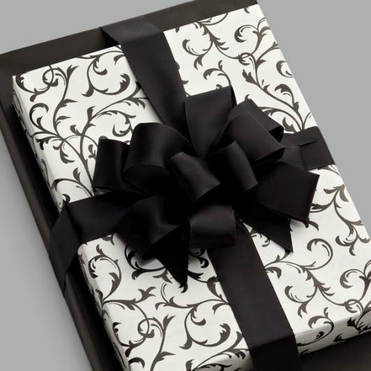 Como Embrulhar Presente preto e branco
