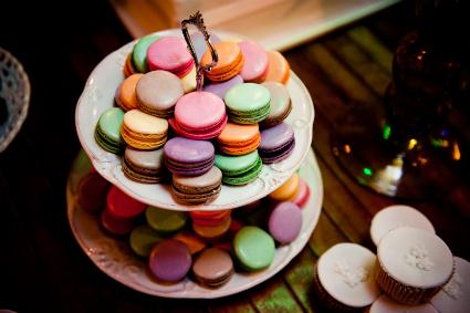 como fazer macarons com cores vibrantes