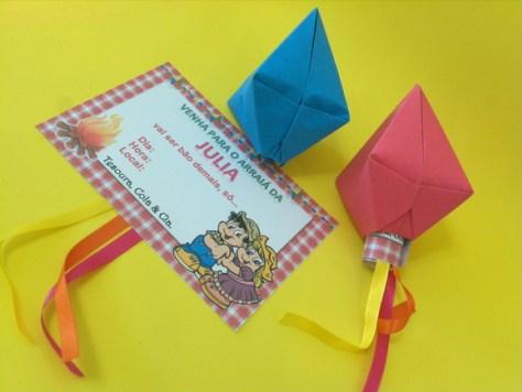 Convite Festa Junina com formato de balão