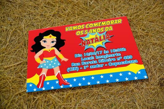 Convite Mulher Maravilha cartão baby