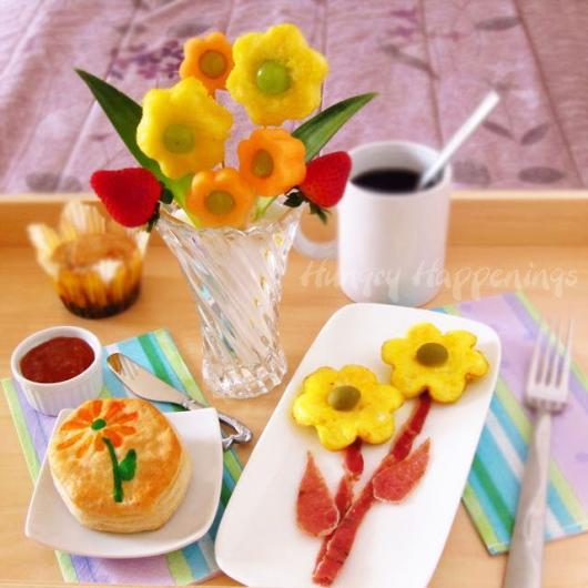 Decoração Dia das Mães para mesa com frutas no formato de flor
