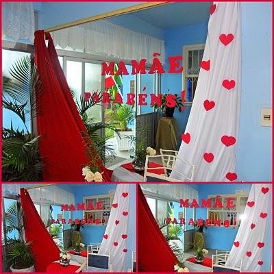Decoração Dia das Mães para igreja com cortina vermelha