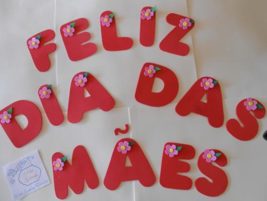 Decoração Dia das Mães com letras de EVA