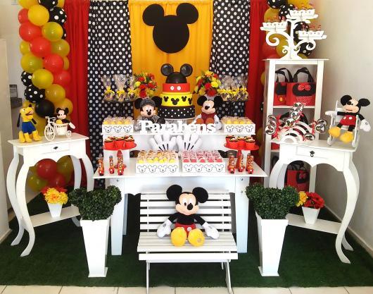 Decoração Provençal tema Mickey com com ursinhos de pelúcia