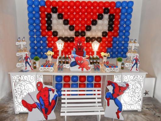 Decoração Provençal tema Homem-Aranha com painel personalizado