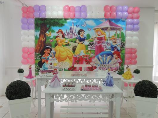 Decoração Provençal tema Princesas com displays de mesa