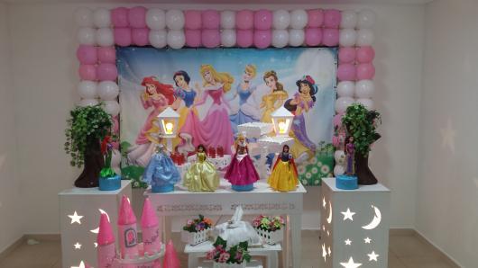 Decoração Provençal tema Princesas com bonecas