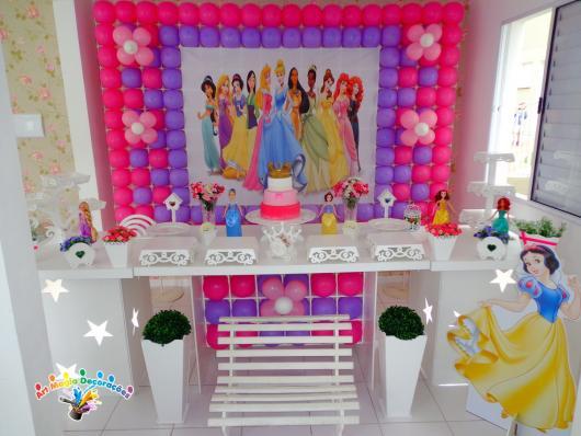 Decoração Provençal tema Princesas com bexigas rosas
