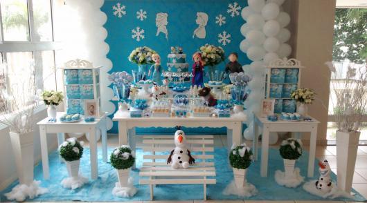 Decoração Provençal tema Frozen com painel azul