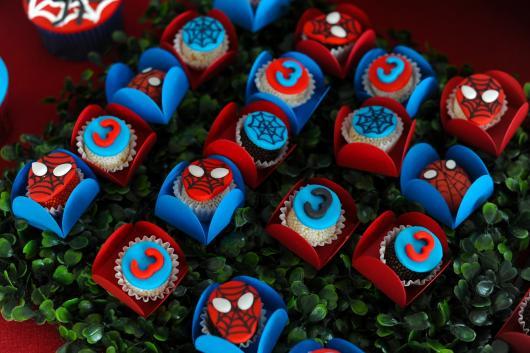 Doces Personalizados Homem-Aranha beijinho