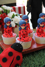Doces Personalizados Ladybug cupcake