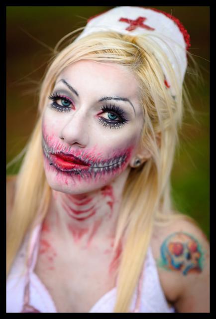 Fantasia de Enfermeira para Halloween com pintura facial