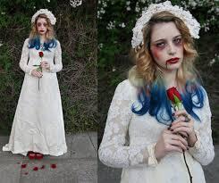 Fantasia Noiva Cadáver com vestido simples