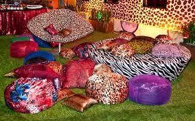 Festa Brega modelo de decoração com estampa animal print
