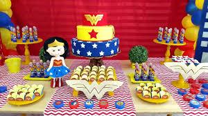 Festa Mulher Maravilha baby com boneca de feltro