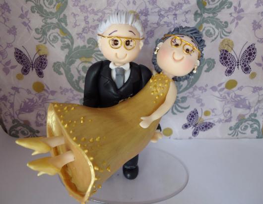 noivos bodas de ouro de biscuit