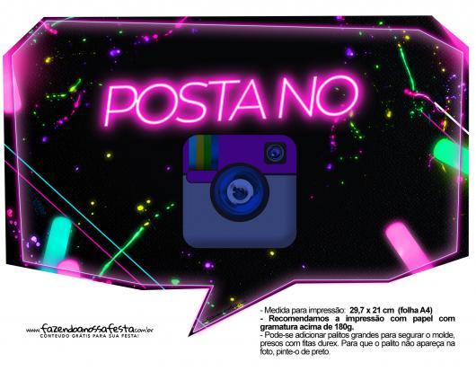 Plaquinhas para Festa neon com frase posta no Instagram