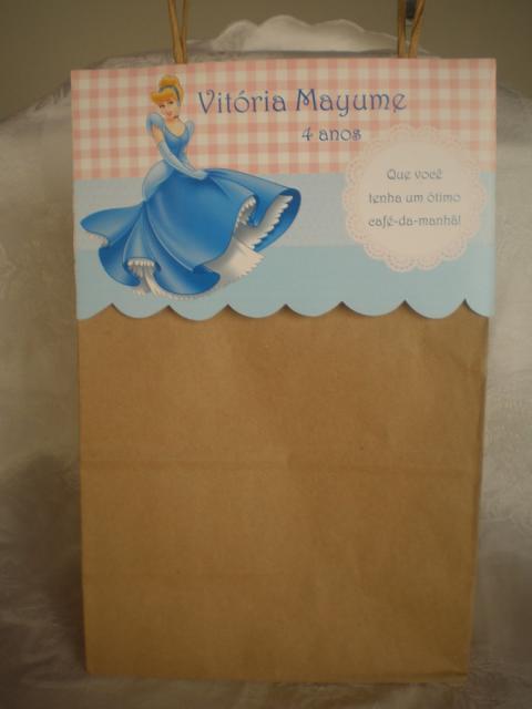 Sacolinha Surpresa de papel craft da Cinderela