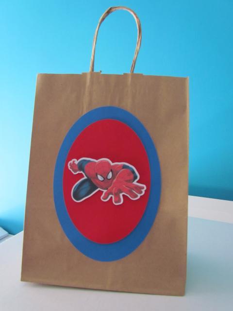 Sacolinha Surpresa Safari Homem-Aranha de papel craft