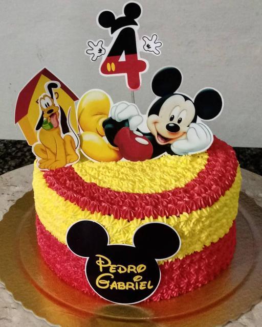 Bolo personalizado Mickey vermelho e amaelo