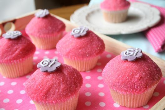 Doce bicho de pé gourmet em forminha rosa claro