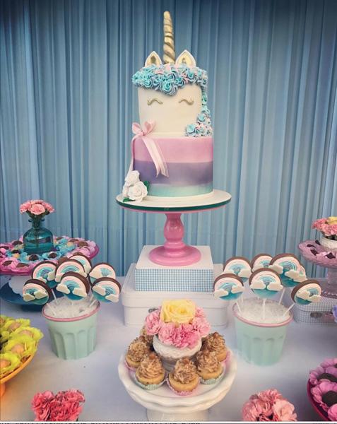 Enfeites de Unicórnio para festa: bolo