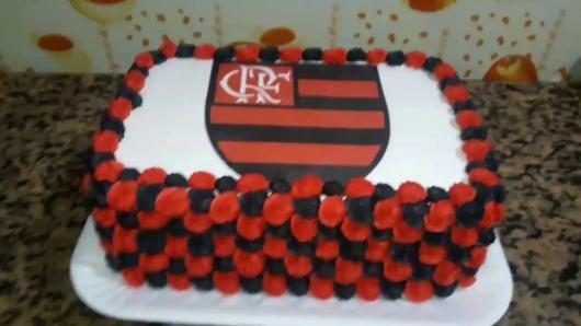 Festa do Flamengo bolo preto vermelho e branco