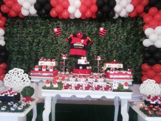 Festa do Flamengo infantil com muro inglês