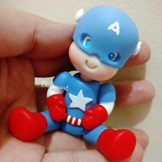 Lembrancinha do Capitão América de biscuit