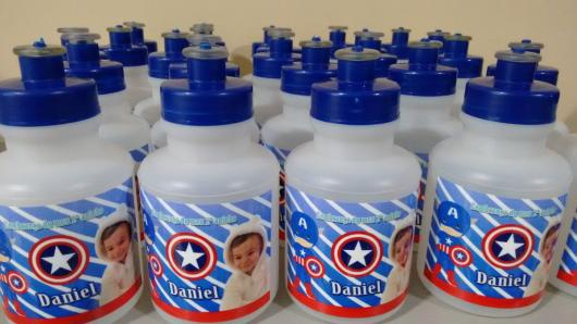 Lembrancinha do Capitão América garrafa personalizada