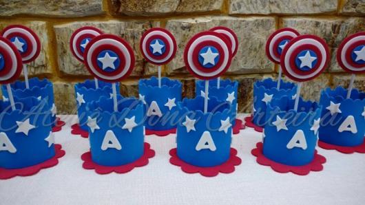 Lembrancinha do Capitão América de EVA porta doces