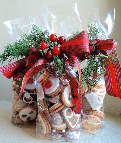 Lembrancinhas baratas para Natal saquinho com biscoitos personalizados
