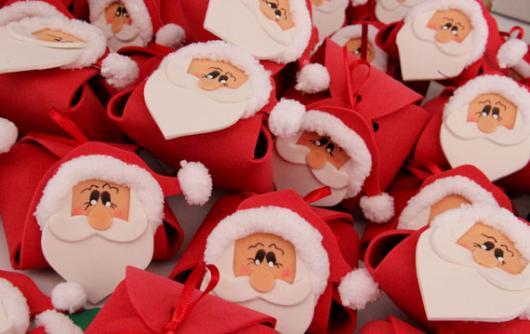 Lembrancinhas baratas para Natal caixinha de EVA