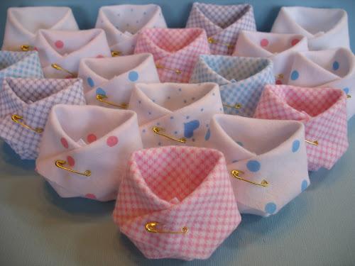 Lembrancinhas baratas para chá de bebê fraldinha de tecido