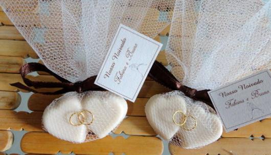 Lembrancinhas baratas para casamento sabonete