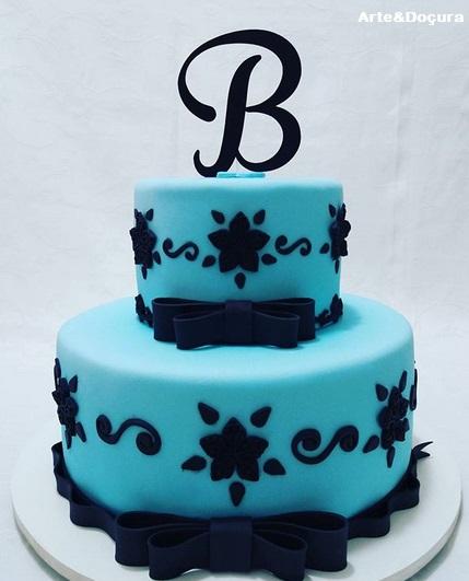 bolo 2 andares azul e preto