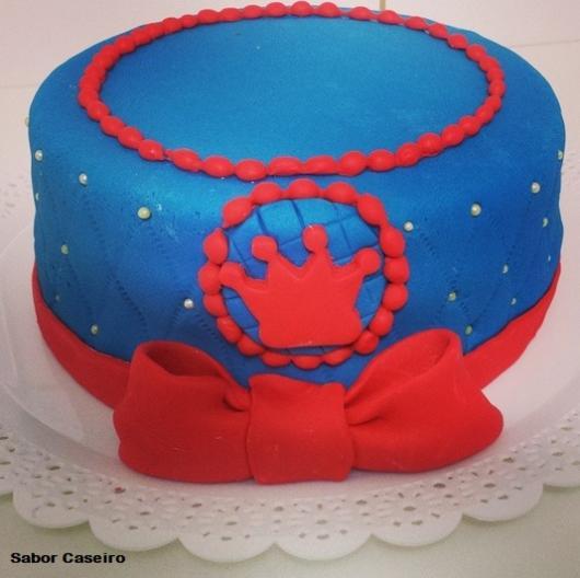 bolo pasta americana azul e vermelho