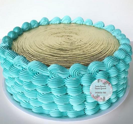 bolo redondo azul e dourado