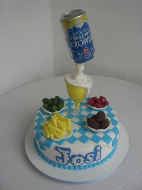 bolo da antarctica para festa com tema boteco