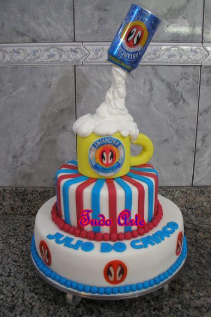 bolo grande da Antarctica