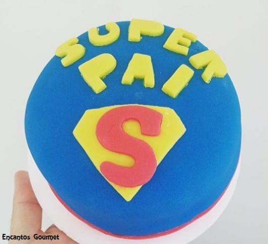 mini bolo super homem