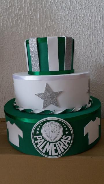 As cores do Palmeiras devem se destacar no bolo fake. Abuse do verde e branco