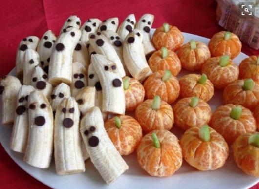 Comidas de Halloween: bananas fantasmas e abóboras de mexerica