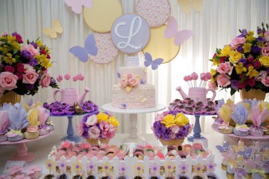 Decoração de festa infantil Jardim Encantado com regador