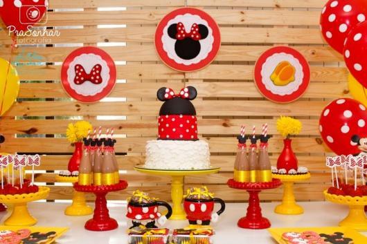 Decoração de festa infantil Minnie com pallets