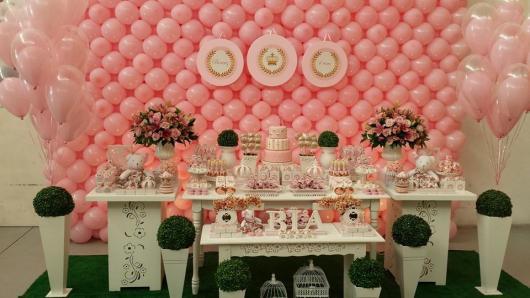 Decoração de festa infantil Princesa com painel de balões