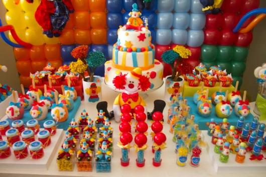 Decoração de festa infantil Circo com painel de balões