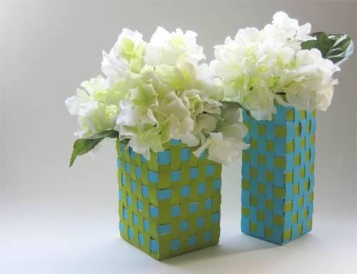 Enfeite de Mesa com caixa de leite e flores